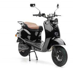 Der Nova Motors eRetro Star in schwarz jetzt für kurze Zeit mit kostenlosem Topcase