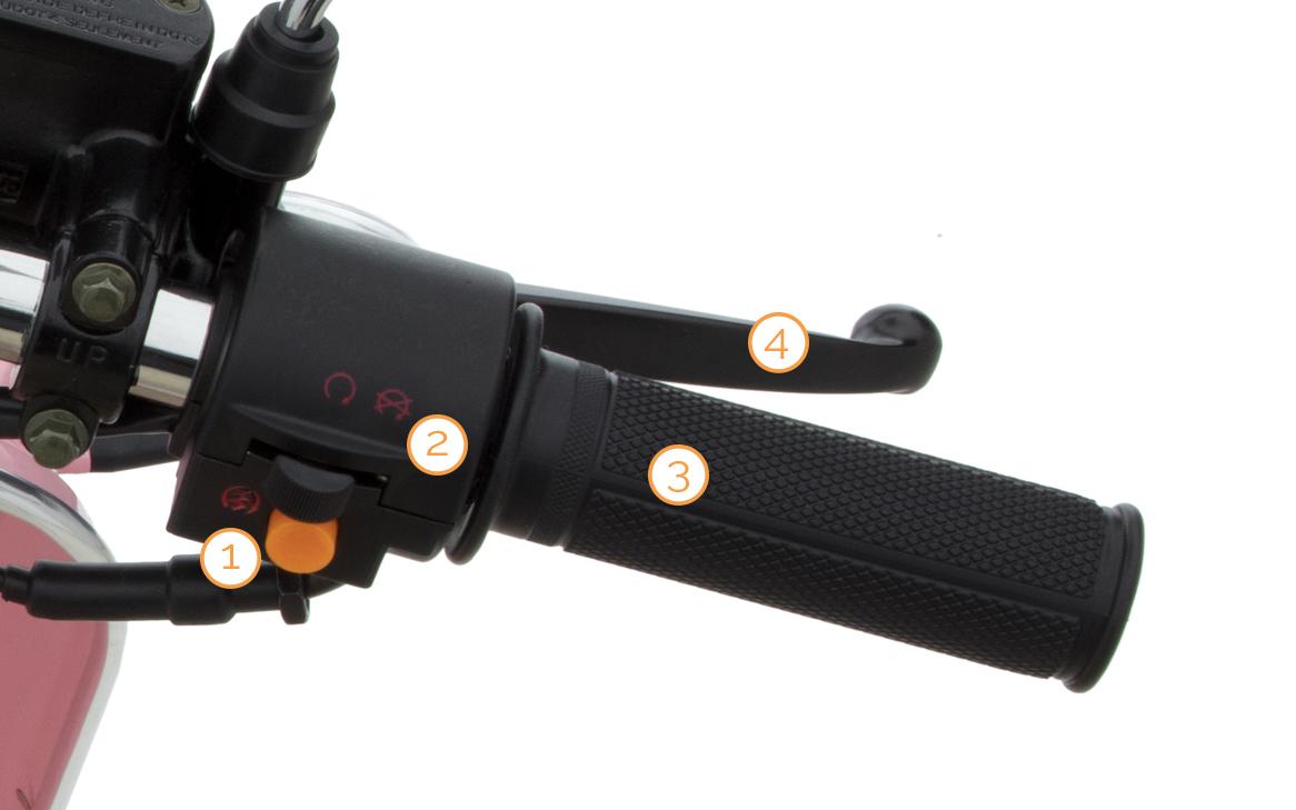 Gasgriff und Lenkerarmaturen des Retro Star Motorrollers von Nova Motors