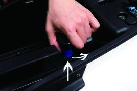 Batterie des Nova Motors S4 Elektrorrollers entfernen