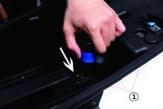 Batterie des Nova Motors S5 Elektrorrollers einbauen