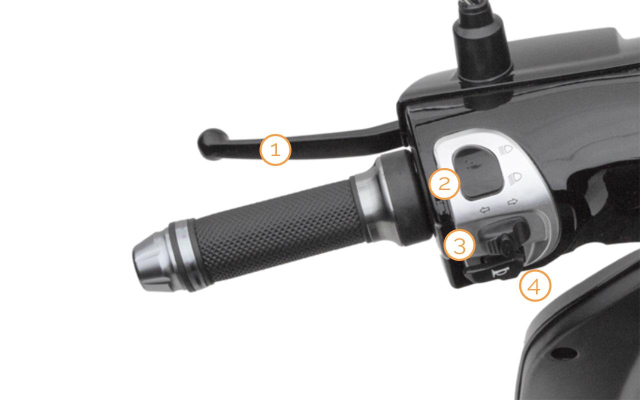 Linker Griff mit Armaturen des eEve Elektro-Motorrollers