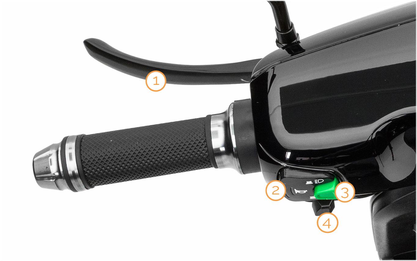 Linker Griff mit Armaturen des eMace  Elektro-Motorrollers