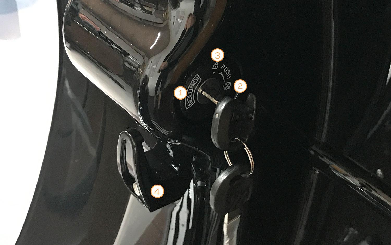 Zündschloss mit Lenkradschloss des Nova Motors Retro 69 Motorrollers