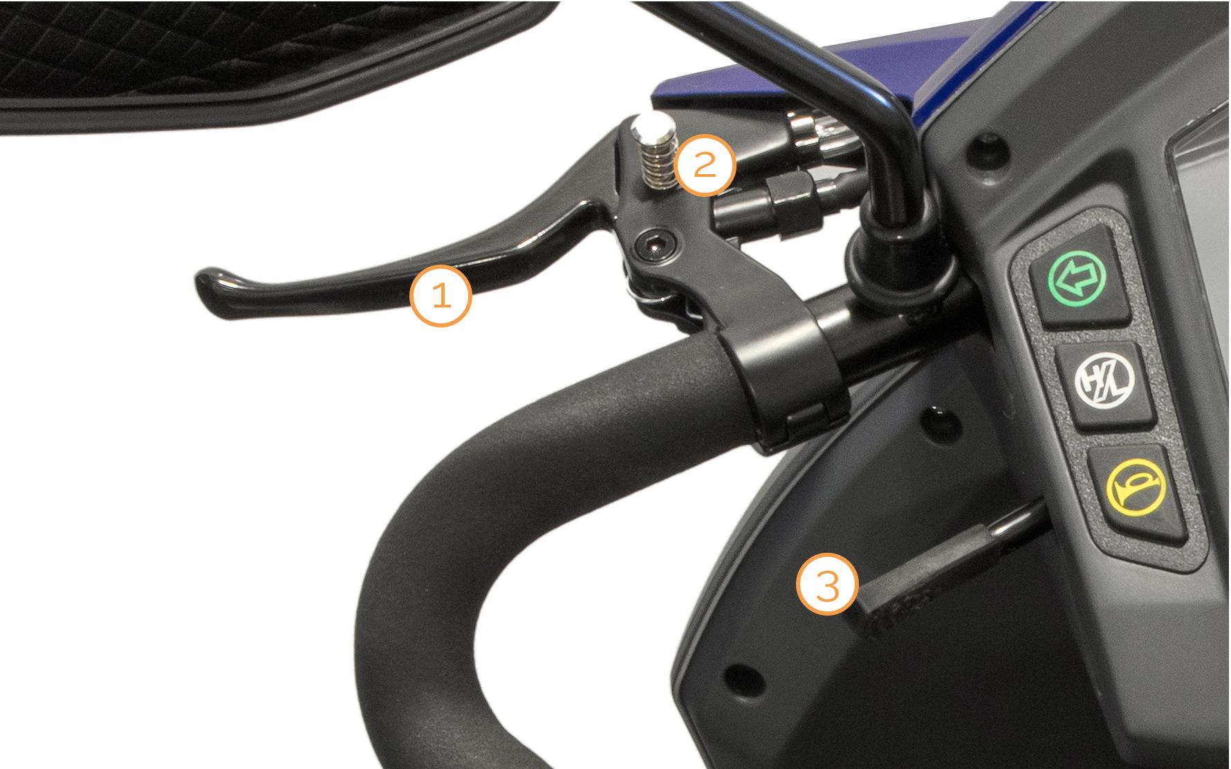 Linker Griff mit Armaturen des Nova Motors Vita Elektromobils